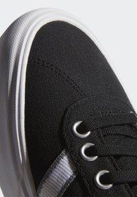 adidas Originals - DELPALA SHOES - Baskets basses - black/white - 9