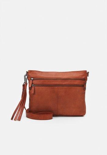 DELUXE - Across body bag - burned orange