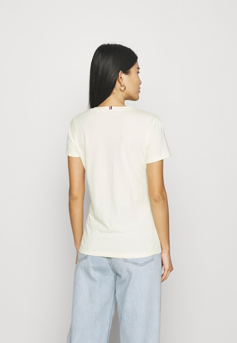 Tommy Hilfiger - NEW CREW NECK TEE - T-shirts basic - frosted lemon