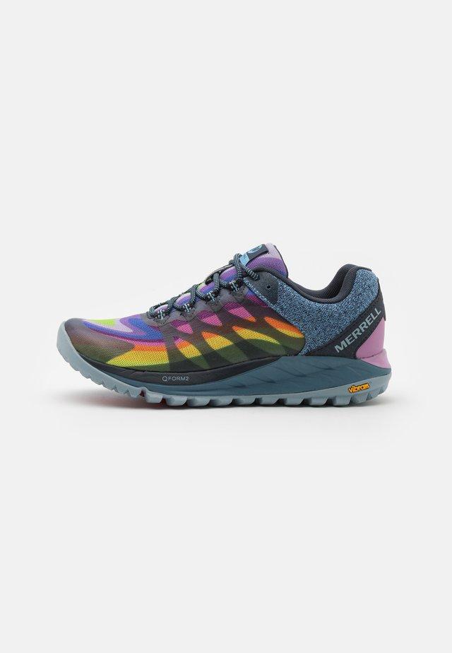 ANTORA 2 - Løpesko for mark - rainbow