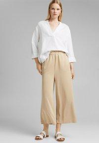 Esprit - CULOTTE - Trousers - sand - 1
