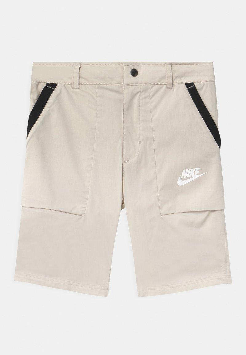 Nike Sportswear - Shorts - desert sand