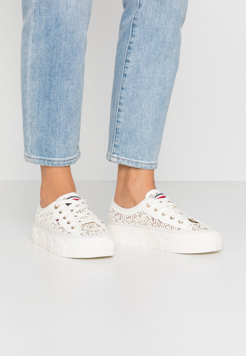 Tommy Hilfiger - KELSEY  - Baskets basses - white