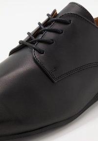 Zign - LEATHER - Chaussures à lacets - black - 5
