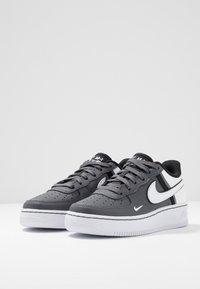 Nike Sportswear - AIR FORCE 1 LV8  - Trainers - dark grey/white/black - 3