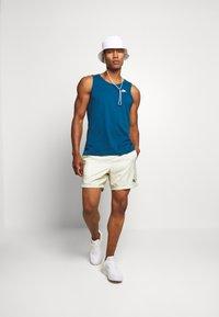Nike Sportswear - FESTIVAL  - Shorts - limelight/volt/black - 1