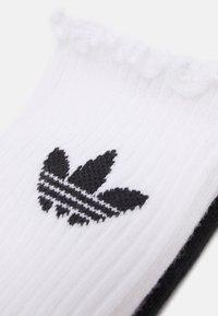 adidas Originals - RUFFLE 2 PACK - Socks - white/black - 1