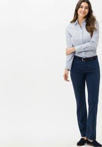 BRAX - STYLE MARY - Pantalon classique - indigo - 1