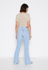 Lee - BREESE - Flared jeans - bleached azur - 2