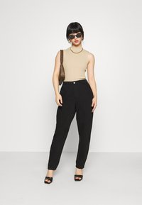 Missguided Petite - TEXTURED CUT OUT BACK BODYSUIT - Top - beige - 1