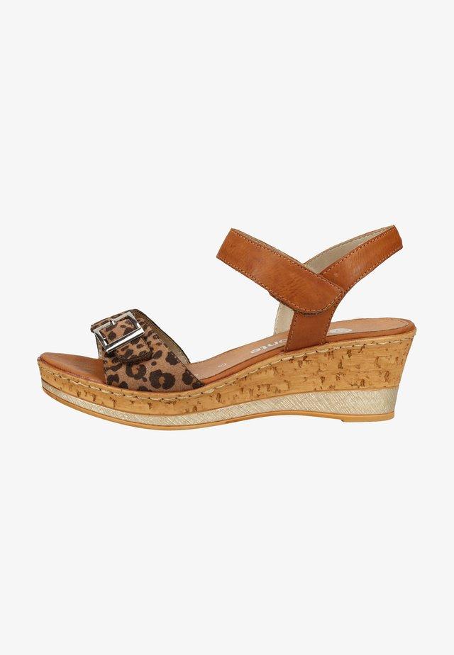 Sandalen met plateauzool - loam/cayenne