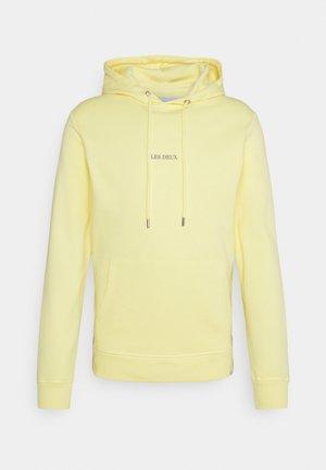 LENS HOODIE - Hoodie - lemon sorbet/frost grey