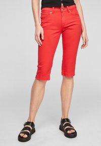 Q/S designed by - Short en jean - red - 0