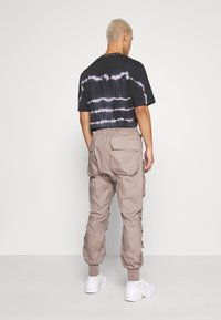 Sixth June - PANTS WITH MULTIPLE POCKETS - Cargo trousers - light brown - 2