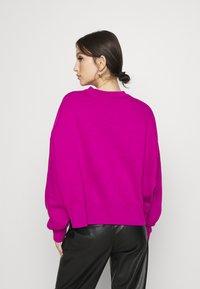 Nike Sportswear - CREW TREND - Sweatshirt - pink - 2