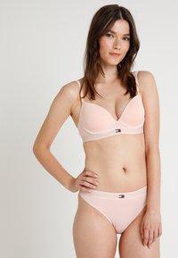 Tommy Hilfiger - MODERN BRA - T-shirt bra - pink - 1