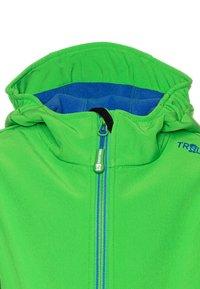 TrollKids - TROLLFJORD UNISEX - Soft shell jacket - bright green/med blue - 2