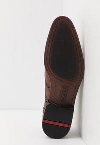 Lloyd - MORTON - Elegantní šněrovací boty - cognac - 4