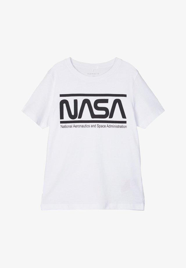 NKMNASA LUCAS  - T-shirt con stampa - white