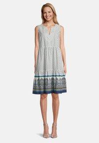 Vera Mont - Day dress - cream/blue - 0