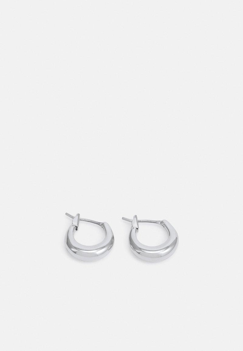 Weekday - MIJA MINI HOOP EARRINGS - Náušnice - silver-coloured