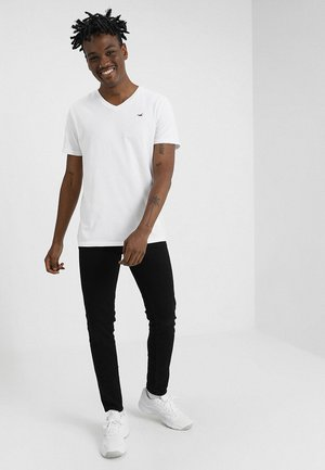 3 PACK - Basic T-shirt - black/white/grey