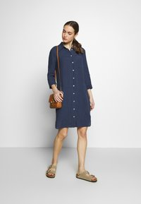 Marc O'Polo - DRESS TUNIQUE COLLAR WELT POCKETS SIDE SLITS - Shirt dress - dark blue - 1