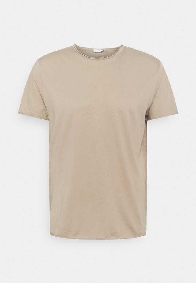 ROLL NECK TEE - T-shirts basic - desert taupe