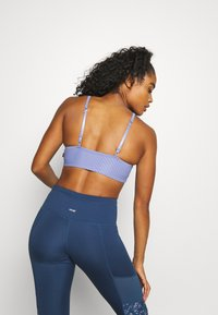 Cotton On Body - WORKOUT YOGA CROP - Light support sports bra - periwinkle - 3