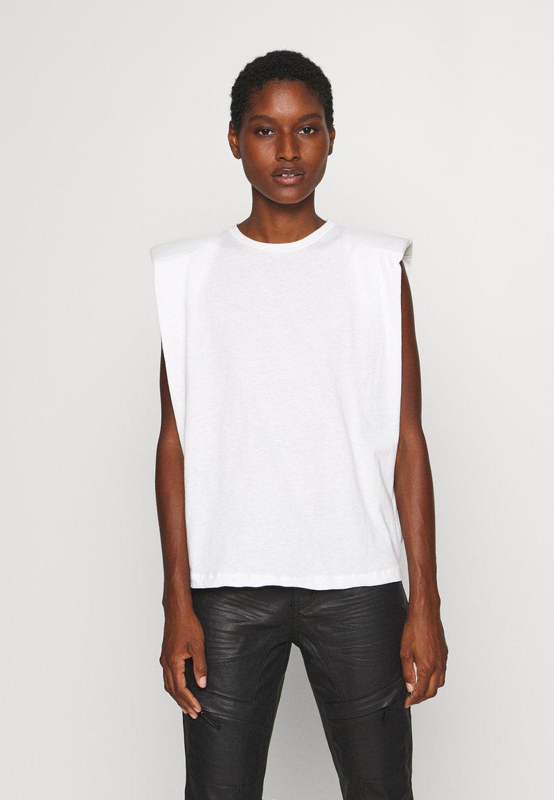 Trendyol - SIYAH - Jednoduché triko - white