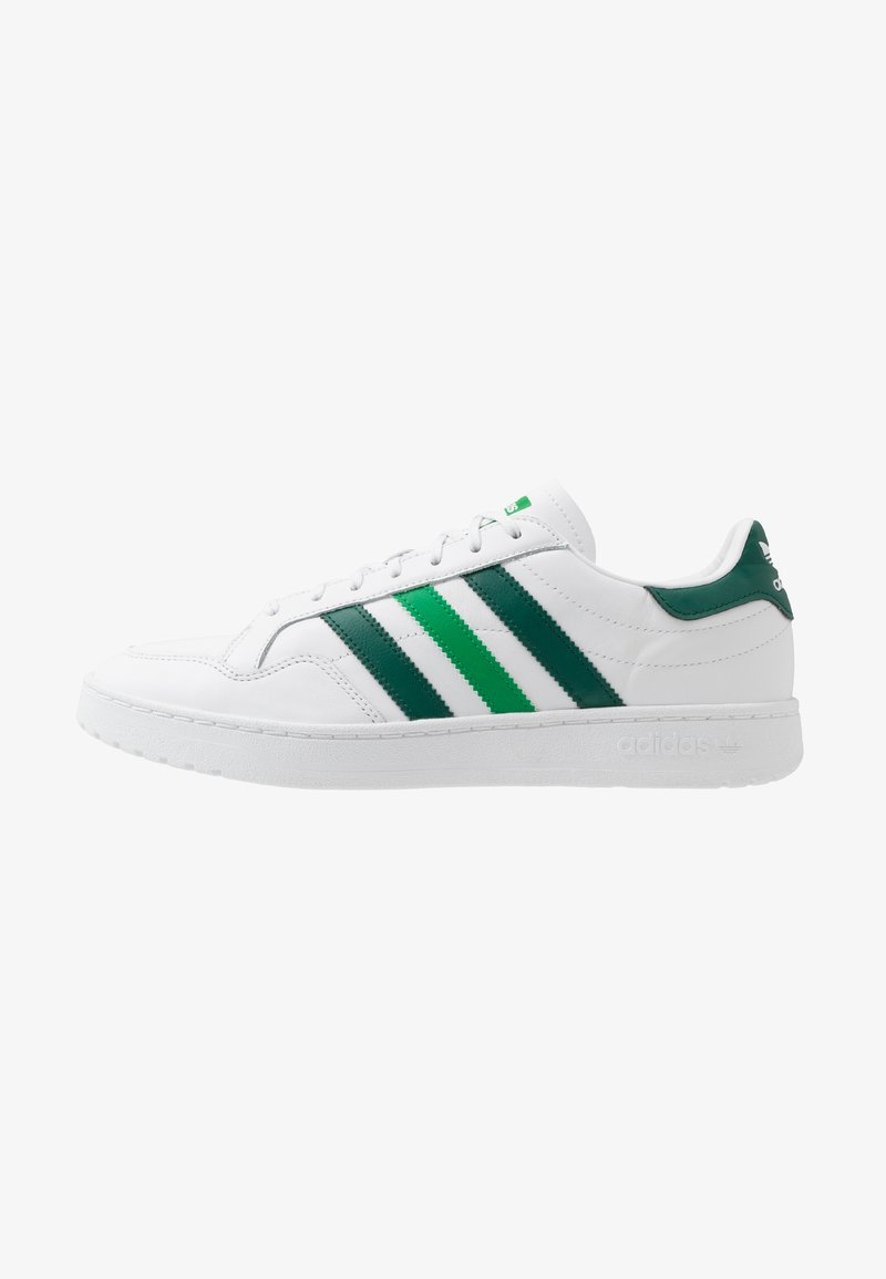 adidas Originals - TEAM COURT - Trainers - footwear white/collegiate green/green