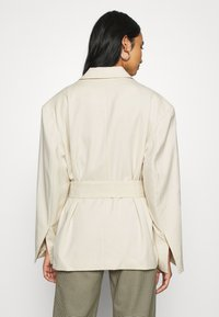 Monki - GABI - Manteau court - light beige - 2