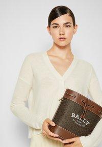 Bally - CLEOH BUCKET - Across body bag - multicuero - 0