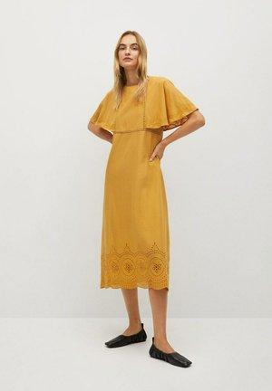 JAKE-A - Denní šaty - senfgelb