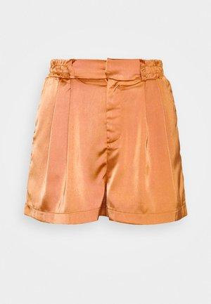 TUSCANY - Shorts - apricot