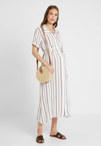 Glamorous Bloom - SHORT SLEEVE MIDI DRESS WITH BELT - Skjortekjole - white - 1