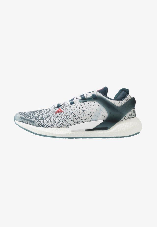 ALPHATORSION BOOST - Zapatillas de running neutras - legacy blue/power pink/footwear white