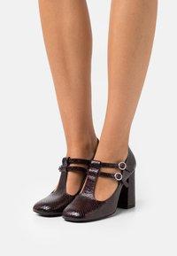 Claudie Pierlot - Classic heels - bordeau - 0
