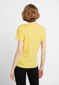 Hollister Co. - CORE PRINTED LOGO TEE - Triko spotiskem - yellow - 2