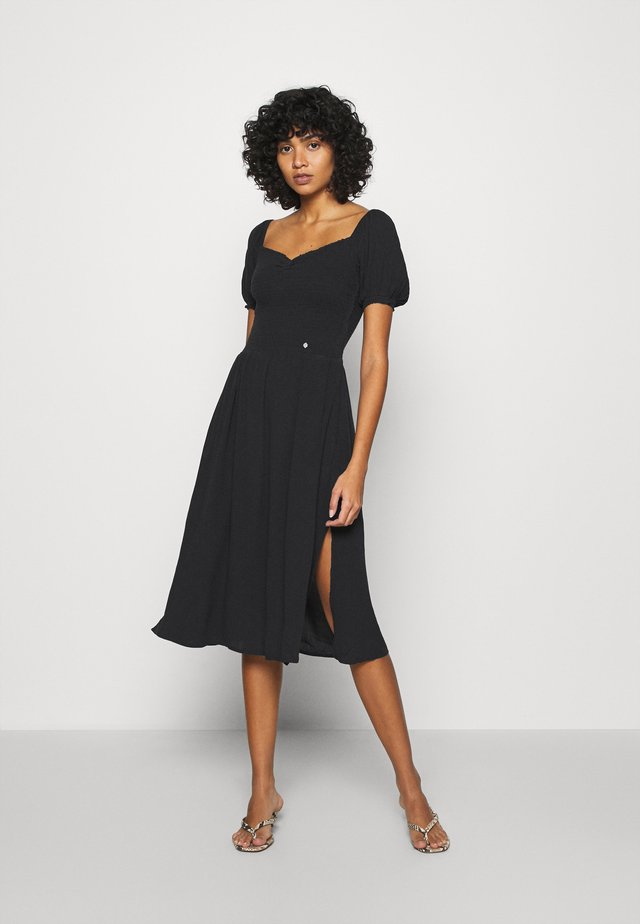 KALA SMOCKED MIDI DRESS - Korte jurk - black