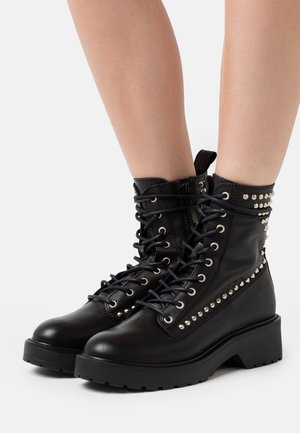 TORNADO - Bottines à plateau - black