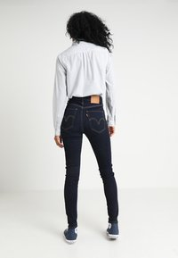 Levi's® - MILE HIGH SUPER SKINNY - Jeans Skinny Fit - celestial rinse - 2
