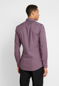 OLYMP No. Six - OLYMP NO.6 SUPER SLIM FIT  - Formal shirt - rot - 2