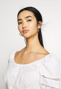 Fashion Union - CAPOTE - Blouse - white - 3