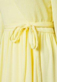 Monki - SARA DRESS - Vestito estivo - light yellow - 2