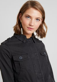 New Look - POCKET UTILITY SHACKET - Summer jacket - black - 3