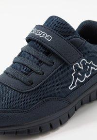 Kappa - FOLLOW - Chaussures d'entraînement et de fitness - navy/white - 2