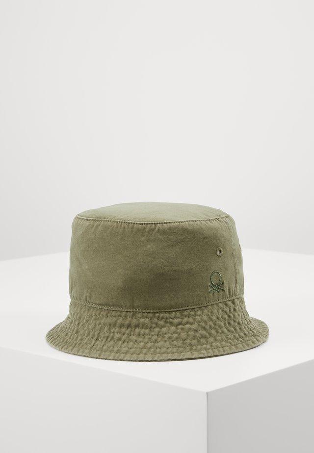 HAT - Hut - khaki