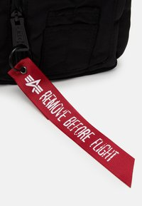 Alpha Industries - CREW UTILITY BAG UNISEX - Bum bag - black - 3