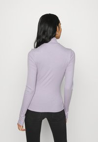 Monki - ELIN  - Long sleeved top - purple - 2